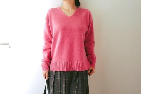 OPAQUEのプチプラ上質ニットは2990円。ラズベリーピンクが大人可愛い!