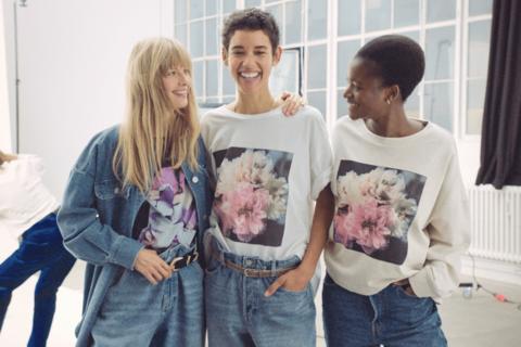 H&Mがヘレナ・クリステンセンとコラボ。花々の写真をメインとしたコレクション