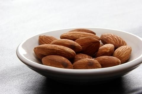 #7 アーモンド 【低カロリーで栄養豊富!ウワサのスーパーフード大全】