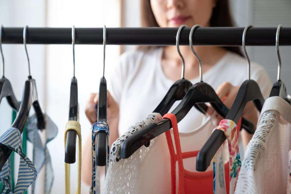 衣替えシーズン到来!半数以上の主婦が衣替えで『収納・保管場所に困る』と回答。宅配クリーニングの「保管サービス」とは?