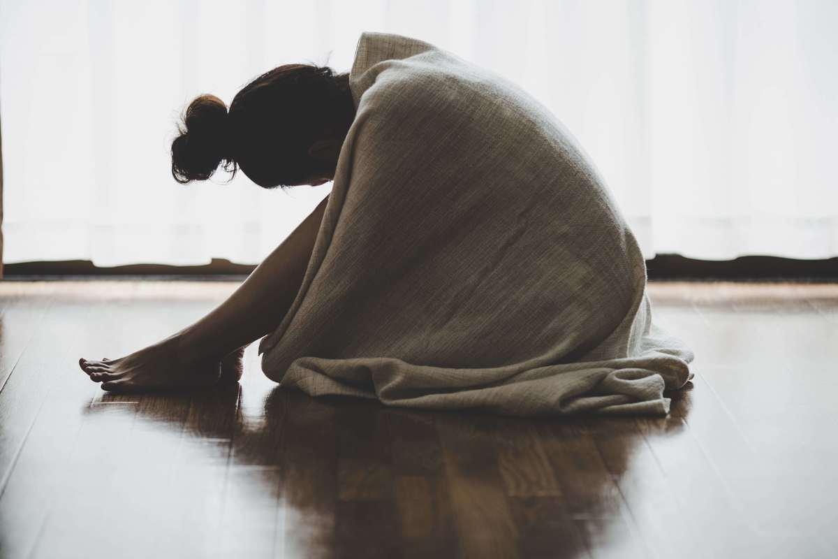 生理がつらい、イライラする、休みにくい…は女性だけの問題? 生理を個人の責任にしてきた社会とは