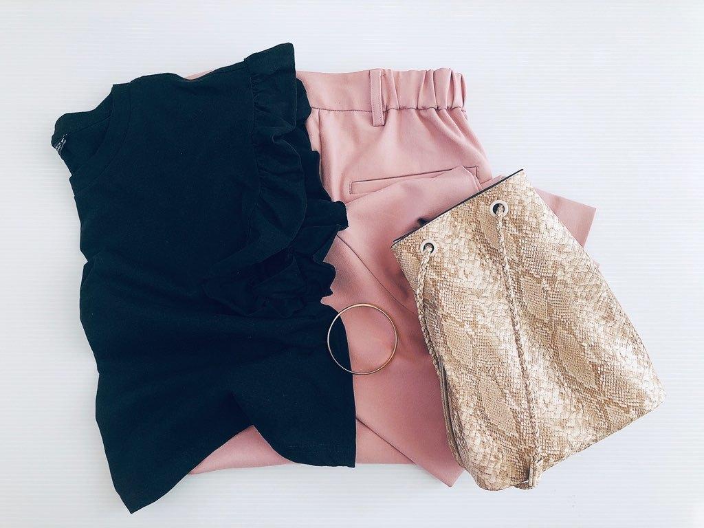 【ZARA】大人気!フリルTシャツで、40代の夏コーデをかわいくアップデート