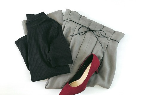 GUの秋色スカート1990円が優秀。上品見えもスタイルアップもおまかせ