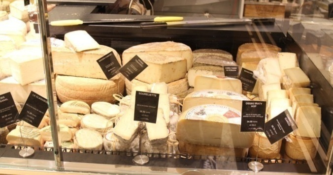 「神様の足のにおい」というチーズはいったいどのくらいくさいのか?