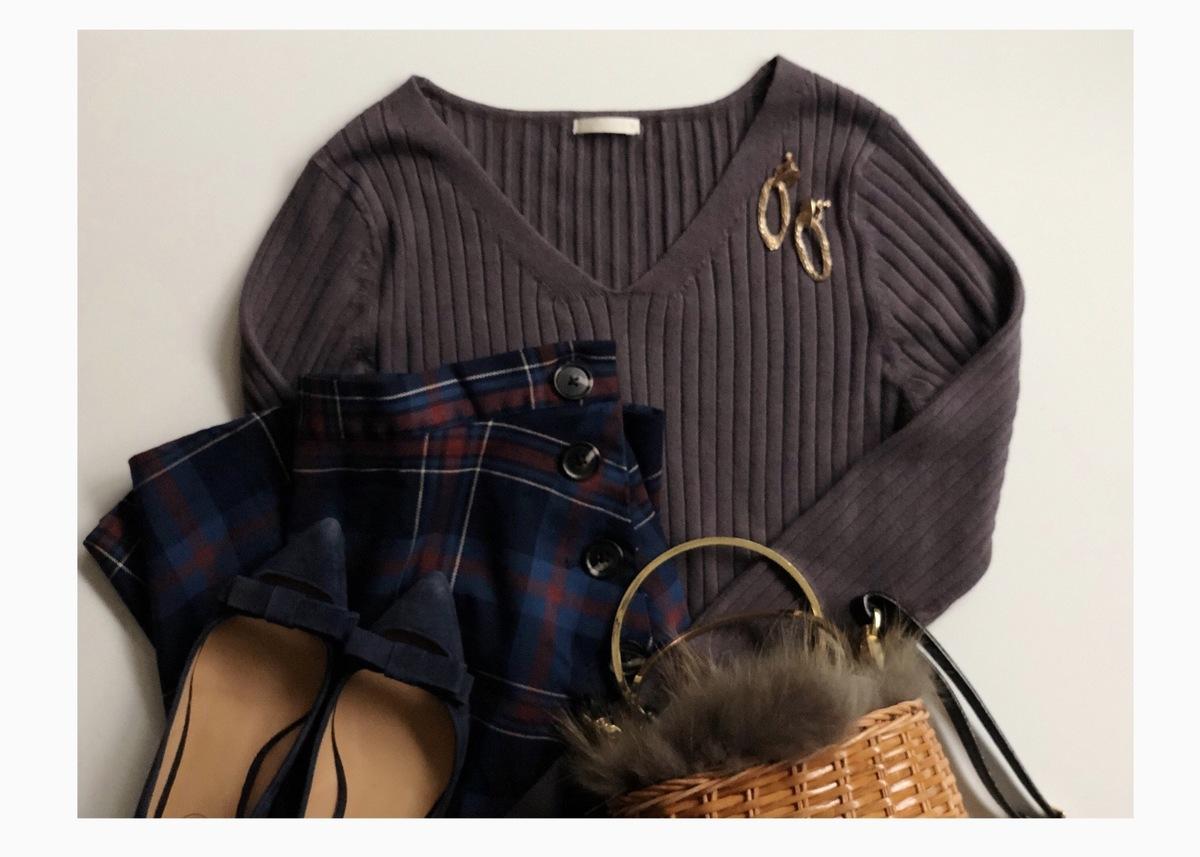 【GU】ワイドリブVネックセーターで作る秋の大人上品コーデ