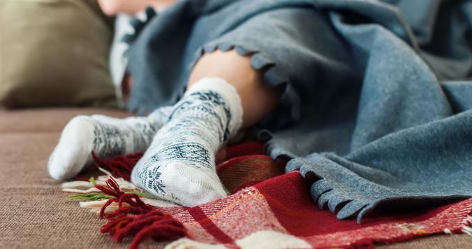 底冷えするオフィスや眠る前の寒さに。体を冷えから守るあったかグッズ