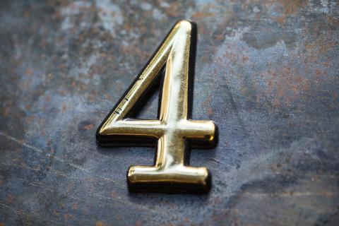 【数秘術】誕生数4の恋愛タイプ診断! 相性や幸せを掴む秘訣をご紹介