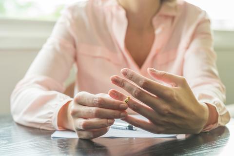 モラハラ夫と離婚したい! 離婚準備の進め方と注意点を弁護士がアドバイス