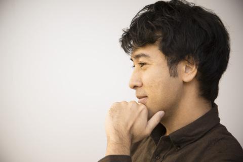 村上アシシさん「半年仕事・半年旅人」で世界を浮遊する暮らし