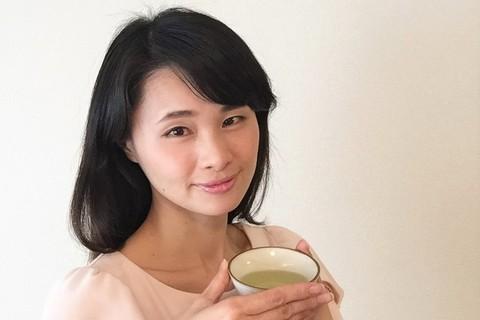 花粉症でメイクがのらないそこのあなた!日本茶でつらい花粉症を撃退できるかも?!満木葉子の日本茶美容#1