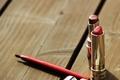 赤系アイライナーで大人の色気あふれる目元に!賢いアラフォー女子は赤コスメをうまく取り入れる