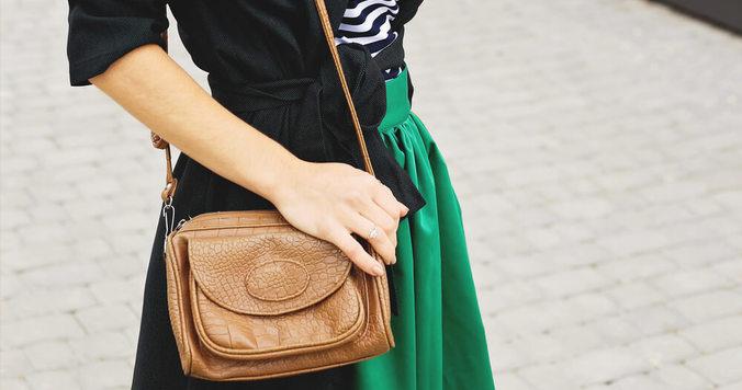"""小さなバッグを持つ人が""""理想の自分""""に近づける3つの理由"""