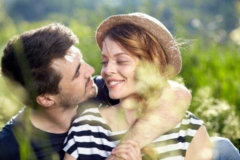 草なぎ剛、初の熱愛報道に思う「いい人だけど愛せない」病