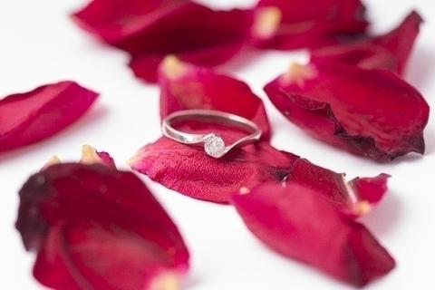 幸せな再婚を引き寄せ。ミランダ・カーさんから学びたい3つのこと