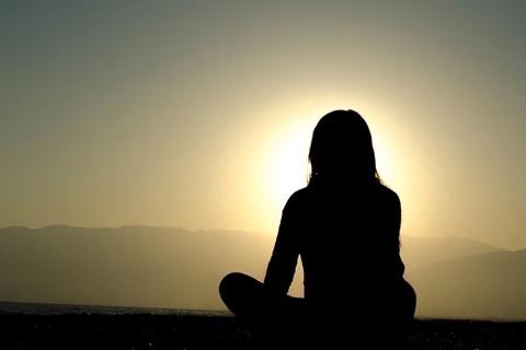 瞑想は5分でいい。いつも心を穏やかにする習慣のすすめ【安藤美冬 連載】