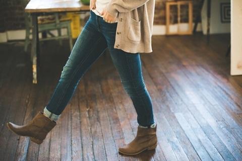 ブーツとタイツの正しいマナーを身につけて。年末年始も靴で女の品格を上げる!