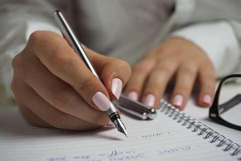 書く力は、人生を切り拓く力になる