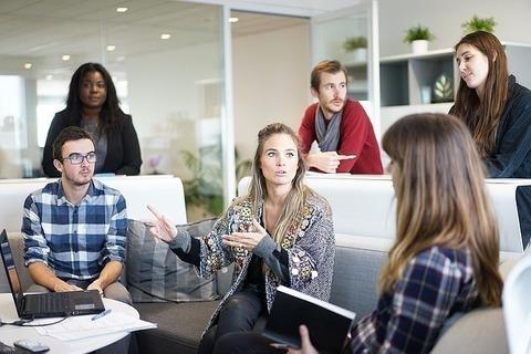 職場での人間関係に悩みがあるなら、まずは自分が変わること。他人は変わらない