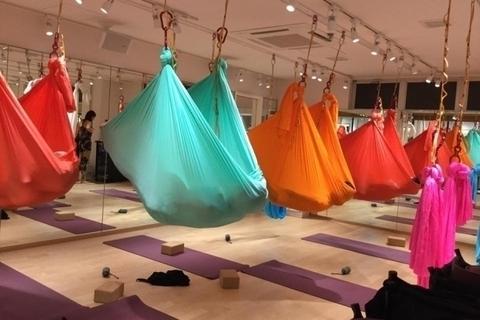 空中ヨガとダンスの融合スタジオが横浜に新規オープン