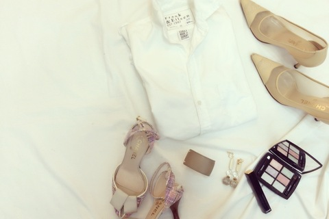 大人ベーシックファッションはFrank&Eileenシャツ×デニムで仕上げる