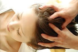 頭皮のたるみは顔のたるみに……今日からやりたい美容師に聞く「頭皮ケア」