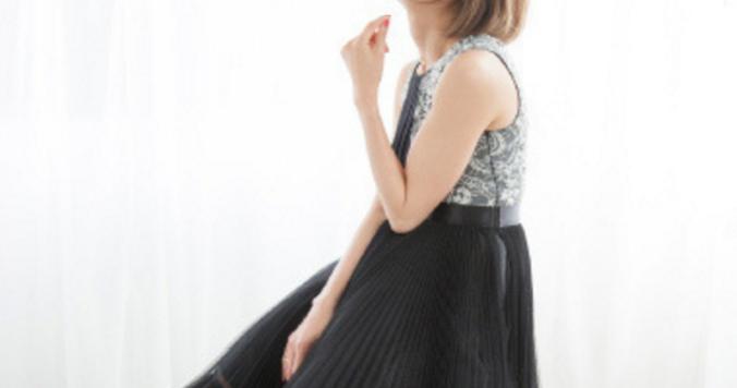 【終了しました】hitomi20周年の幕開けとなるワンマンライブにDRESS読者5組10名様をご招待!