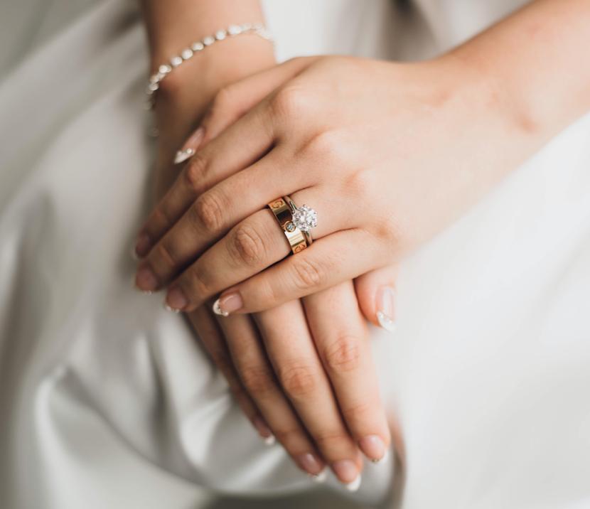 【手相占い】結婚線から見るあなたの恋愛傾向4パターン