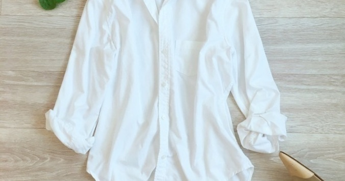 シャツの袖のまくり方、裾イン方法。こなれ感を出す簡単なコツ