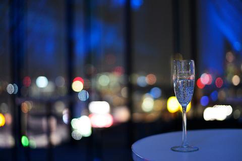 大人の夜景デートはいかが?渋谷ヒカリエに『ウエスト・サイド・ストーリー』コラボメニューが登場