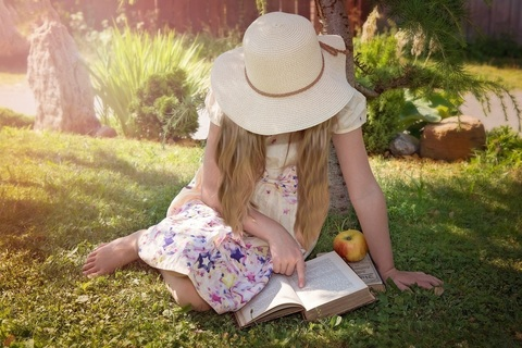 夫や子がいても私は私。自立して生きる、ぬいぐるみ作家の本棚【本棚百景#9】