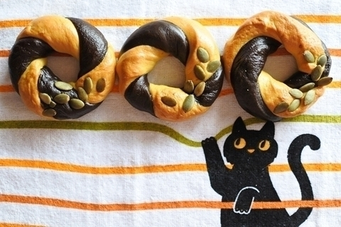 ハロウィーンぐるぐるベーグル【天然酵母のパンレシピ#2】
