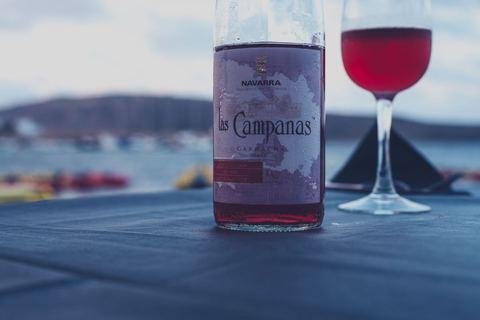 ワインと仕事をこよなく愛す 癒やしと成長をくれる本棚【本棚百景#11】