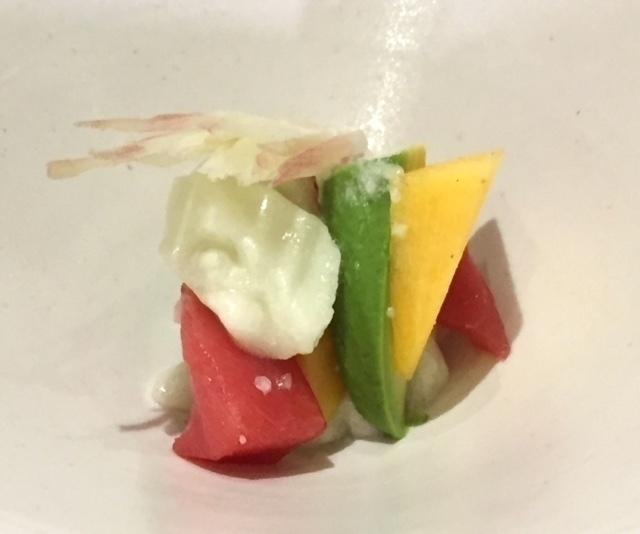 ヘルシードレッシングを、マグロを使った海鮮サラダと合わせてみました【パリから届いた料理#3】