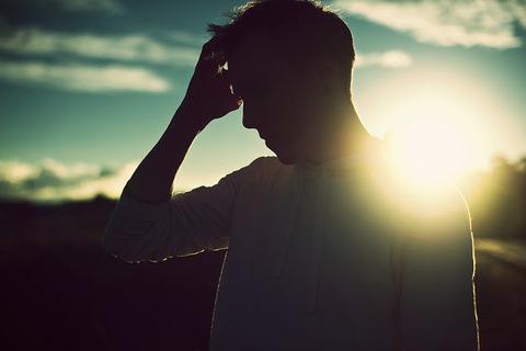 引きずる別れ方をした男性が未練がましくなるのは、別れに納得していないから