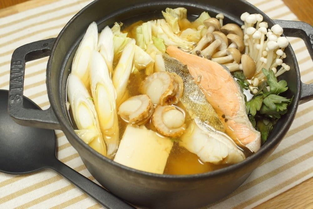 ちゃんこ鍋は美容食。10分で作れる簡単レシピ(塩、味噌)