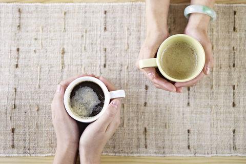 カフェで出会い、夫婦になったふたりの話