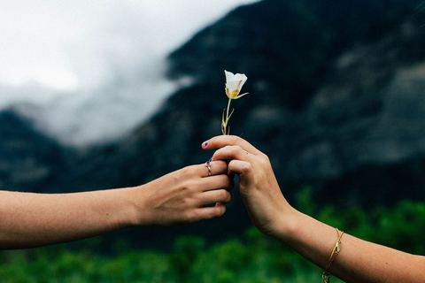 「愛は技術」が教えてくれた、孤独から脱する方法【結婚は、本から学ぶ #6】