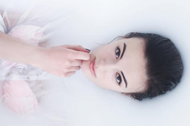 石田ゆり子さん流、美しく健やかな生き方【積読を崩す夜 #19】