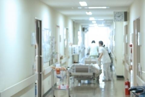 【海外で、産む】緊急帝王切開で産み、4泊で退院した私の経験談