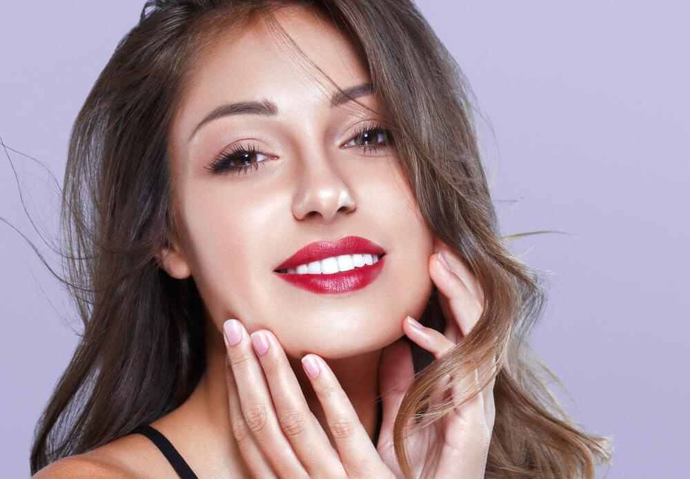 「自然な白い歯」はセルフホワイトニングで叶える
