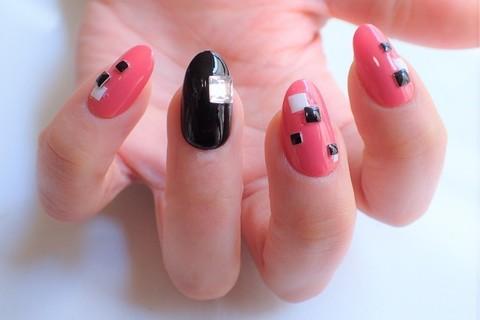 ピンク×ブラックでつくる大人春ネイル【マニキュアでセルフネイル】