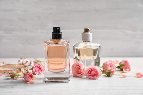 好感度アップには「初々しさ」を演出する香水がおすすめ
