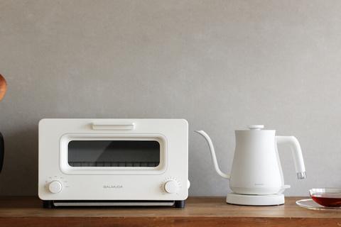 新生活のインテリア。バルミューダ家電でキッチン周りをおしゃれに整える