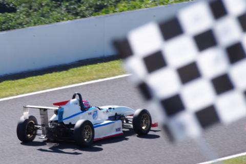 モータースポーツのスピード感をリアルに体験する3つの方法