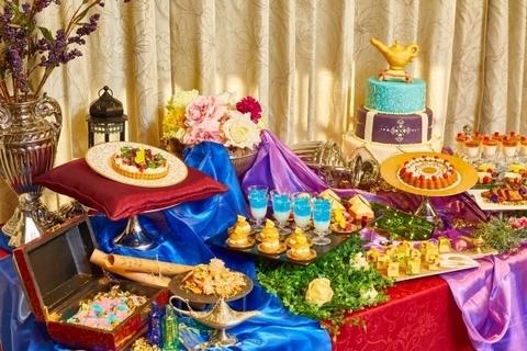 魔法のランプや空飛ぶ絨毯をイメージ。アラビアンナイト デザートブッフェ