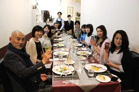 DRESSワイン部「プロのデクパージュで料理を堪能。ワインと日本酒の持ち寄りパーティー」を開催しました