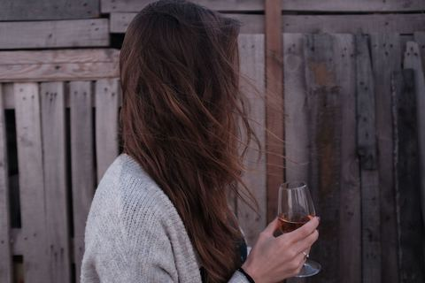 アルコール・カフェイン断ちして気づいた嬉しい肌変化【酒やタバコをやめた話】