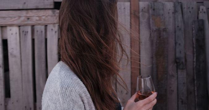 アルコール・カフェイン断ちして気づいた嬉しい肌変化【お酒やコーヒーやをめた話】