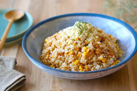 やみつきになる......ご飯に混ぜるだけ「焼きもろこし風ガリバタチーズ飯」