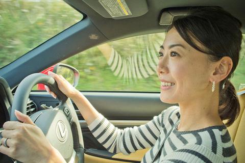 NAVI CARS編集長がDRESSな女とドライブデート恋人選びより楽しいクルマ選び LEXUS RC300h